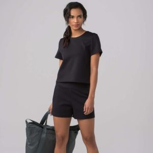 LULULEMON Shaped Short Sleeve (Solid) Black